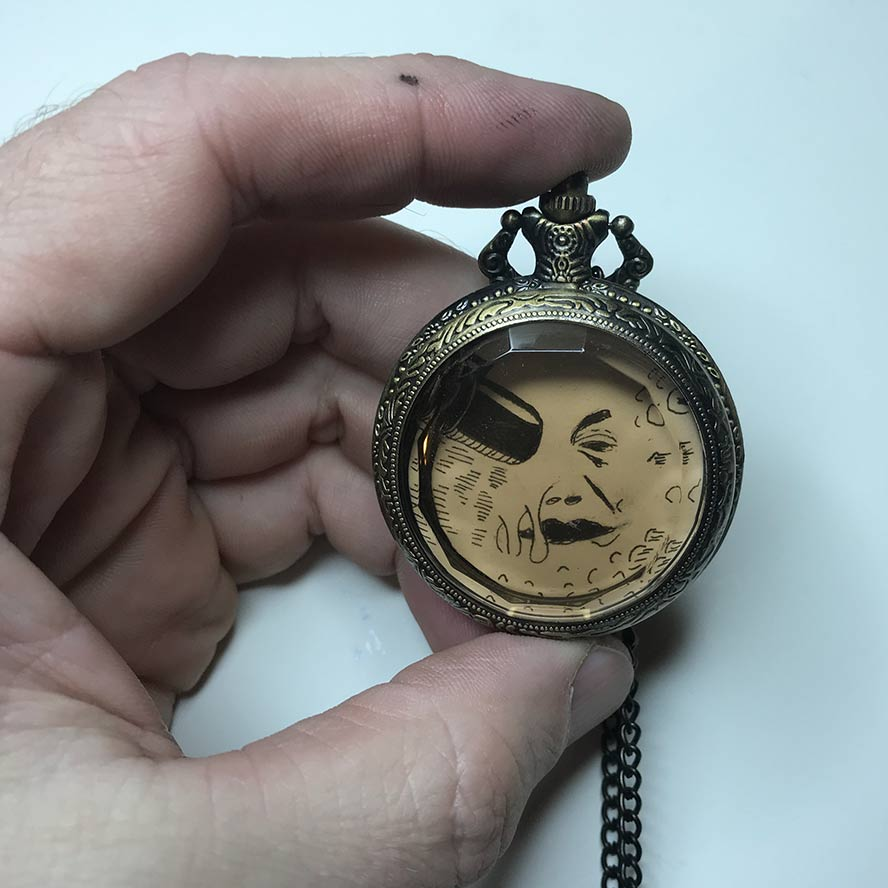 "Georges Méliès ""A trip to the Moon"" in a pocket watch"