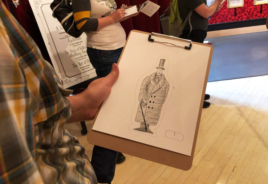 People drawing in the gallery